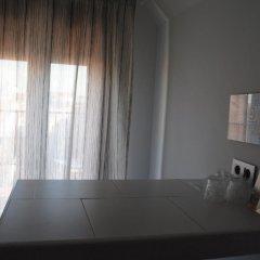Отель Hostal Abril Стандартный номер с различными типами кроватей фото 3