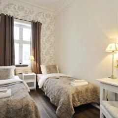 Отель Ellingsens Pensjonat 3* Стандартный номер с двуспальной кроватью (общая ванная комната)