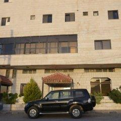 Отель Cleopetra Hotel Иордания, Вади-Муса - отзывы, цены и фото номеров - забронировать отель Cleopetra Hotel онлайн парковка