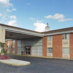 Отель Red Roof Inn Meridian 2* Улучшенный номер с различными типами кроватей фото 5