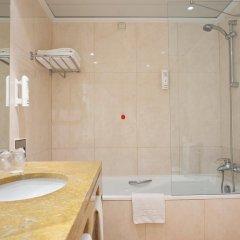 Отель Holiday Inn Lisbon 4* Стандартный номер с разными типами кроватей