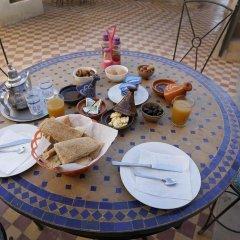 Отель Auberge Kasbah Des Dunes Марокко, Мерзуга - отзывы, цены и фото номеров - забронировать отель Auberge Kasbah Des Dunes онлайн питание