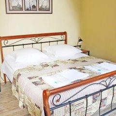 Отель Red Fox Guesthouse Стандартный номер с двуспальной кроватью (общая ванная комната) фото 7