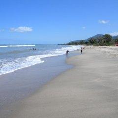 Отель Tranquility Bay Beach Retreat пляж фото 2