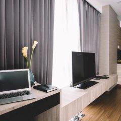 Отель Adelphi Suites Bangkok 4* Апартаменты с разными типами кроватей фото 11
