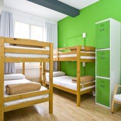 Отель Madrid Motion Hostels 2* Кровать в общем номере с двухъярусной кроватью фото 4