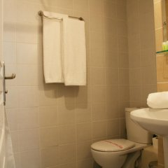 Отель Old Town Inn ванная фото 2