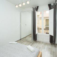 Отель Apartamentos Alejandro Барселона балкон