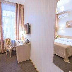 Гостиница Бристоль 3* Стандартный номер с двуспальной кроватью фото 5