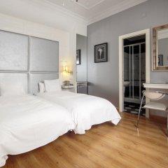 Отель Hostal Adria Santa Ana Мадрид комната для гостей фото 4