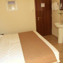 Rea Hotel Номер с общей ванной комнатой с различными типами кроватей (общая ванная комната) фото 5