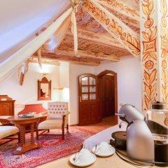 Hotel U Krale Karla 4* Улучшенный номер с различными типами кроватей фото 3