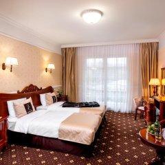 Kavalier Boutique Hotel 5* Улучшенный номер двуспальная кровать фото 5