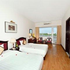 Century Riverside Hotel Hue 4* Номер Делюкс с различными типами кроватей фото 6