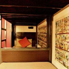 goStops Delhi (Stops Hostel Delhi) Кровать в общем номере с двухъярусной кроватью фото 10