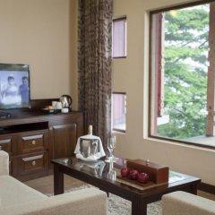 Отель Amaya Hills 4* Улучшенный номер с различными типами кроватей фото 5