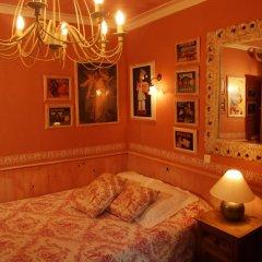Hotel de Nesle Стандартный номер с двуспальной кроватью (общая ванная комната) фото 2