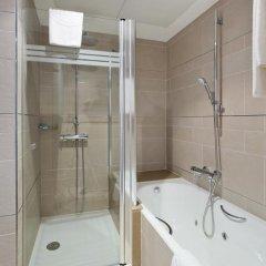 Отель ILUNION Barcelona 4* Улучшенный номер с различными типами кроватей фото 14