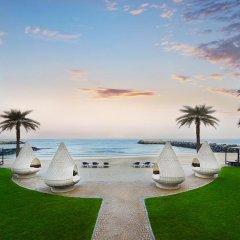 Отель The Ajman Palace пляж фото 2