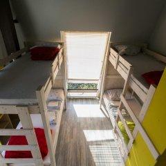 Fabrika Hostel Кровать в общем номере фото 3