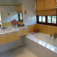 Отель Baan Chang Bed and Breakfast ванная