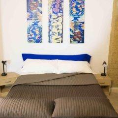 Апартаменты Sampedor Apartment Валенсия сейф в номере