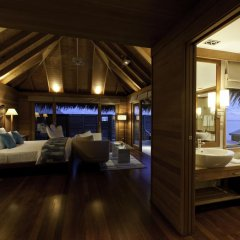 Отель Conrad Maldives Rangali Island 5* Улучшенная вилла с различными типами кроватей фото 3