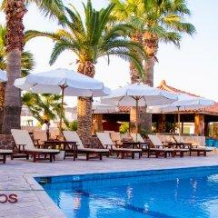 Отель Klonos - Kyriakos Klonos Греция, Эгина - отзывы, цены и фото номеров - забронировать отель Klonos - Kyriakos Klonos онлайн бассейн фото 3