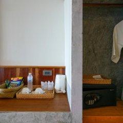 Отель Sai Daeng Resort Таиланд, Шарк-Бей - отзывы, цены и фото номеров - забронировать отель Sai Daeng Resort онлайн сейф в номере