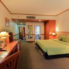 Royal Phuket City Hotel 4* Улучшенный номер двуспальная кровать фото 5