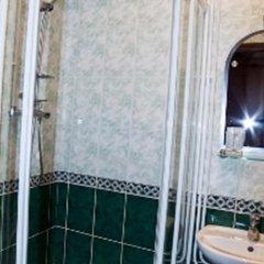 Отель Меблированные комнаты Амулет на Большом Проспекте Санкт-Петербург ванная фото 2