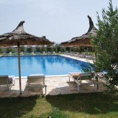 Отель Europa Grand Resort бассейн