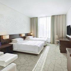Отель Hyatt Place Dubai Baniyas Square Улучшенный номер с различными типами кроватей