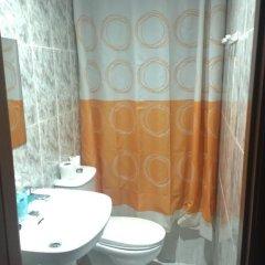 Отель Hostal La Estación Саэлисес ванная