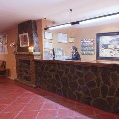 Отель Santa Cruz Испания, Гуэхар-Сьерра - отзывы, цены и фото номеров - забронировать отель Santa Cruz онлайн интерьер отеля