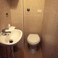 Отель Overseas Guest House Кровать в общем номере с двухъярусной кроватью фото 6
