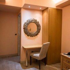 Hotel Maroussi сейф в номере