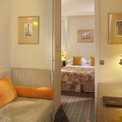 Отель Hôtel Au Manoir St-Germain des Prés 4* Улучшенный номер с различными типами кроватей