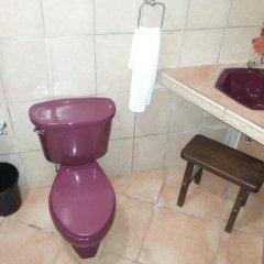 Отель Cabañas los Encinos Гондурас, Тегусигальпа - отзывы, цены и фото номеров - забронировать отель Cabañas los Encinos онлайн ванная