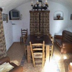 Отель Complejo de Cuevas Almugara гостиничный бар