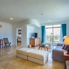 Отель Waterfront Suites Phuket by Centara Люкс с двуспальной кроватью фото 7