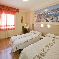 Отель Hostal Barcelona Стандартный номер с различными типами кроватей фото 26