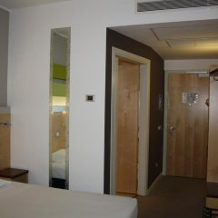 Отель iH Hotels Milano Gioia 4* Стандартный номер с различными типами кроватей фото 12