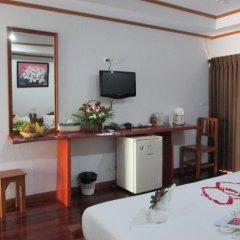 Отель Lipa Bay Resort в номере