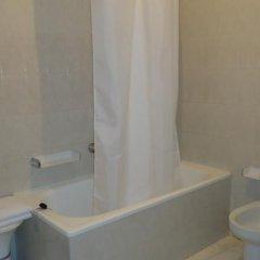 Отель Hostal Miramar Эль-Грове ванная