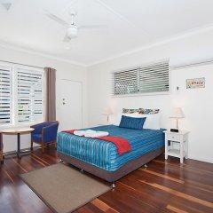 Отель Gold Coast Airport Accommodation - La Costa Motel 4* Студия с различными типами кроватей фото 4