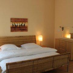Отель Am Sendlinger Tor 3* Кровать в общем номере фото 2