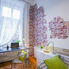 Friends Hostel and Apartments Budapest Стандартный семейный номер фото 3