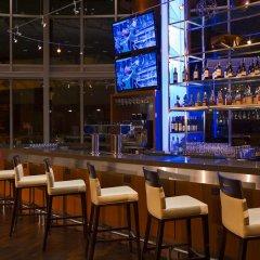 Отель Vancouver Marriott Pinnacle Downtown гостиничный бар