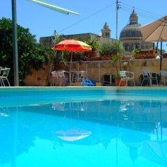 Mariblu Hotel бассейн